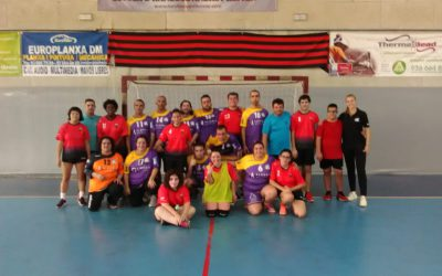 L'equip de handbol del l'Encenall aconsegueix la seva primera victòria