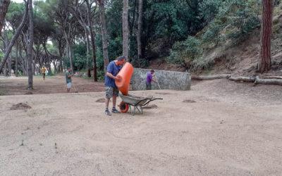 Primer dia de voluntariat d'usuaris de l'Encenall al Parc Dalmau